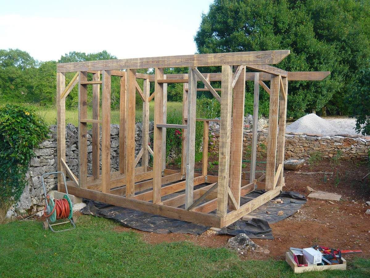 Abri De Jardin En Bois, Cabane De Jardin: La Construction ... à Abri De Jardin Maison