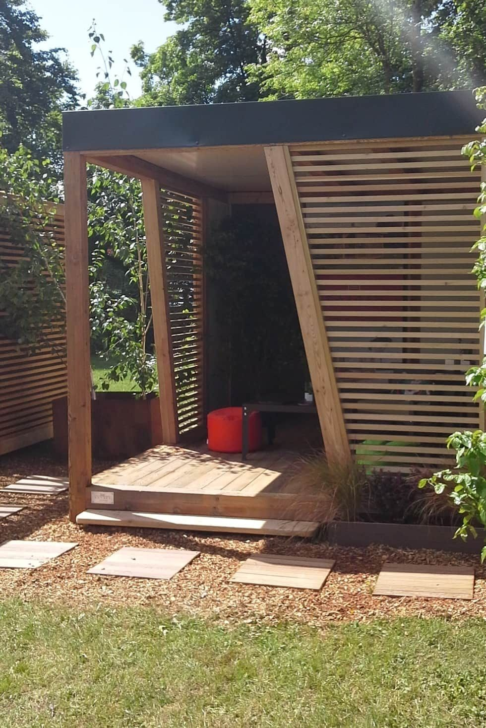 Abri De Jardin Kubhome Par Homify Classique En 2020 | Abri ... encequiconcerne Abri De Jardin Maison