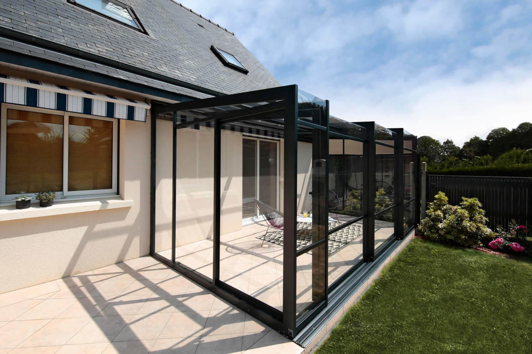 Abri Terrasse Aluminium - Modèles Coulissants ... serapportantà Abri De Terrasse Ferme