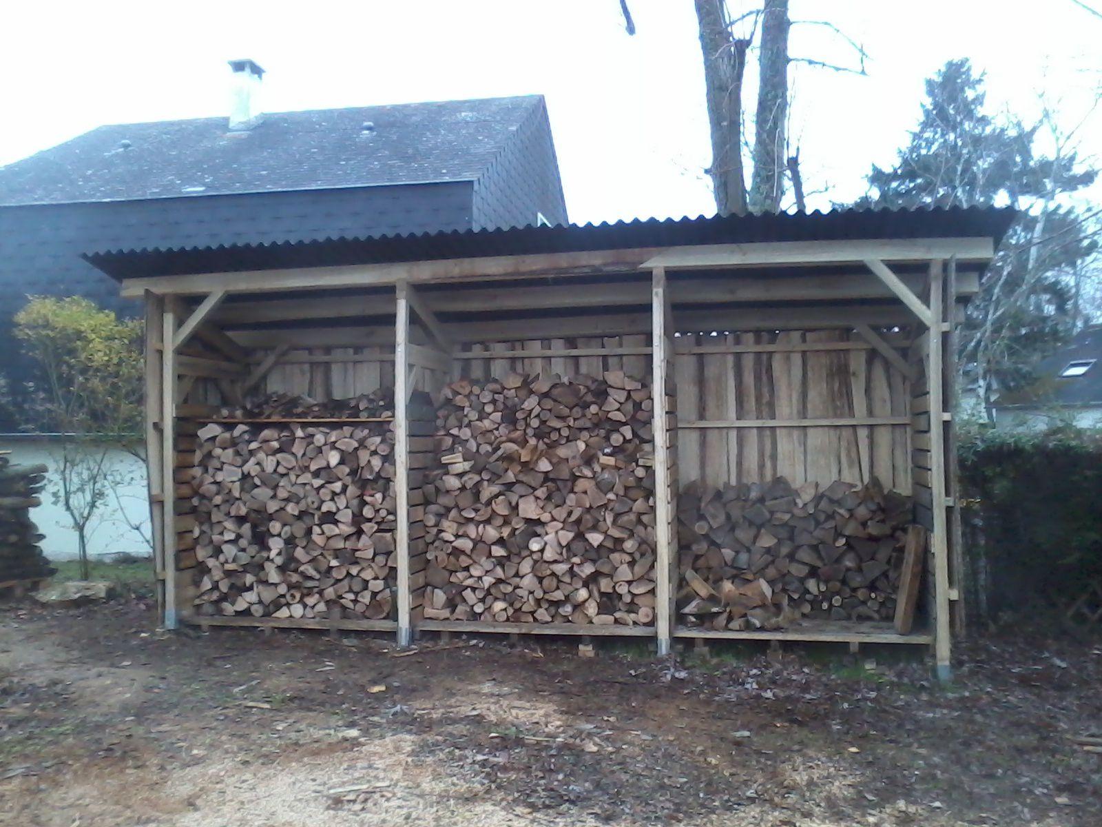 Abris À Buches Locales En Bois Local - Arbosylva, Artisanat ... à Abris A Bois