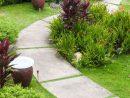 Allée Jardin En Gravier, Ardoise Et Bois –Créer Une Allée ... dedans Allee De Jardin