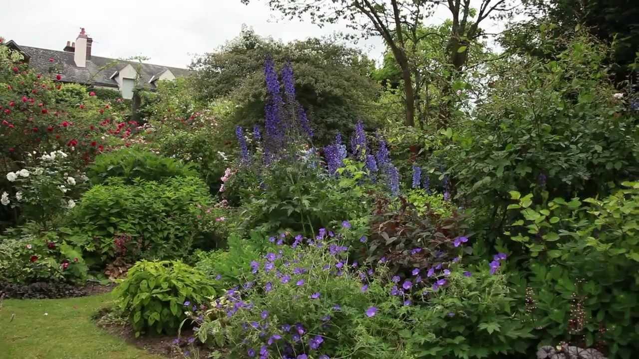 Aménager Un Petit Jardin Pour Donner Une Impression D'espace pour Amenager Jardin Rectangulaire
