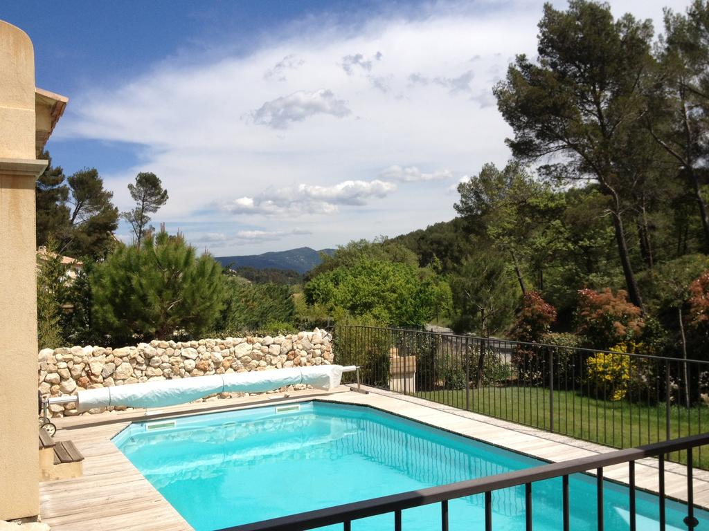 Appartement Rez De Jardin De Villa, Avec Terrasse, Jardin Et ... dedans Terrasse Avec Piscine