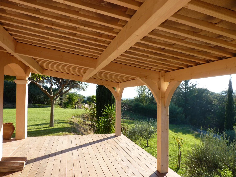 Appentis Et Auvent En Bois | Sur-Mesure | Déco Charpente encequiconcerne Auvent Bois Terrasse