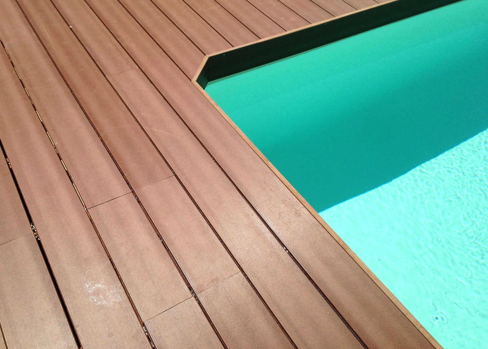 Bandeau De Finition Piscine En Composite Marron - Sud Terrasses encequiconcerne Piscine Bois Composite