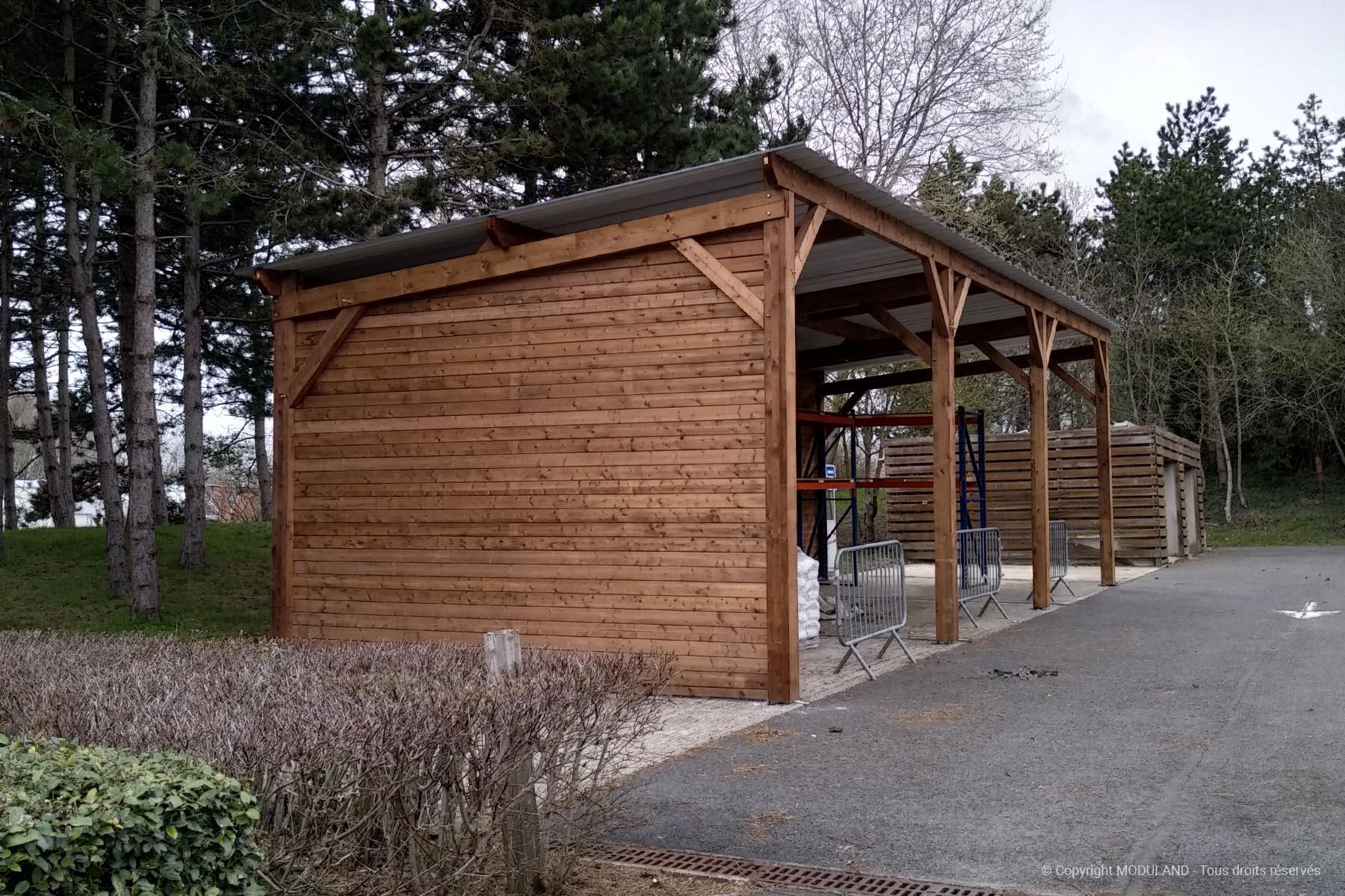 Campus St Christophe À Cergy Pontoise - Abri De Stockage ... encequiconcerne Abri Moto Bois