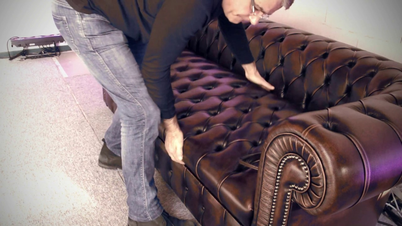 Canapé Convertible Chesterfield concernant Canape Chesterfield Convertible