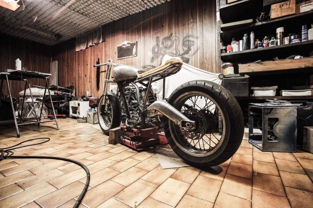 Comment Créer Un Abri Pour Moto? - Bricodeco Solution pour Abri Moto Bois