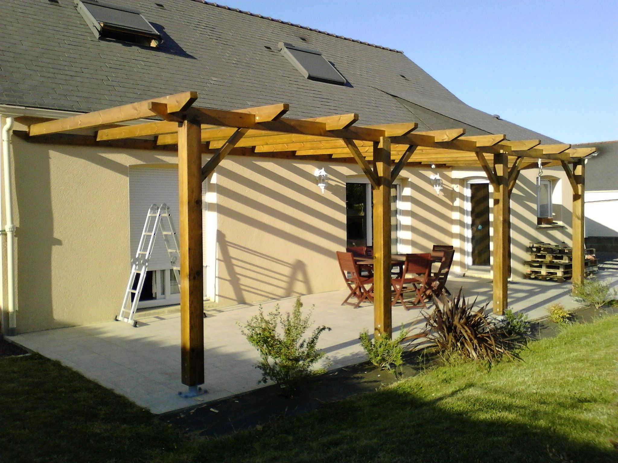 Construction D'une Pergola En Bois Instructions De... | Déco ... dedans Abri De Terrasse En Bois