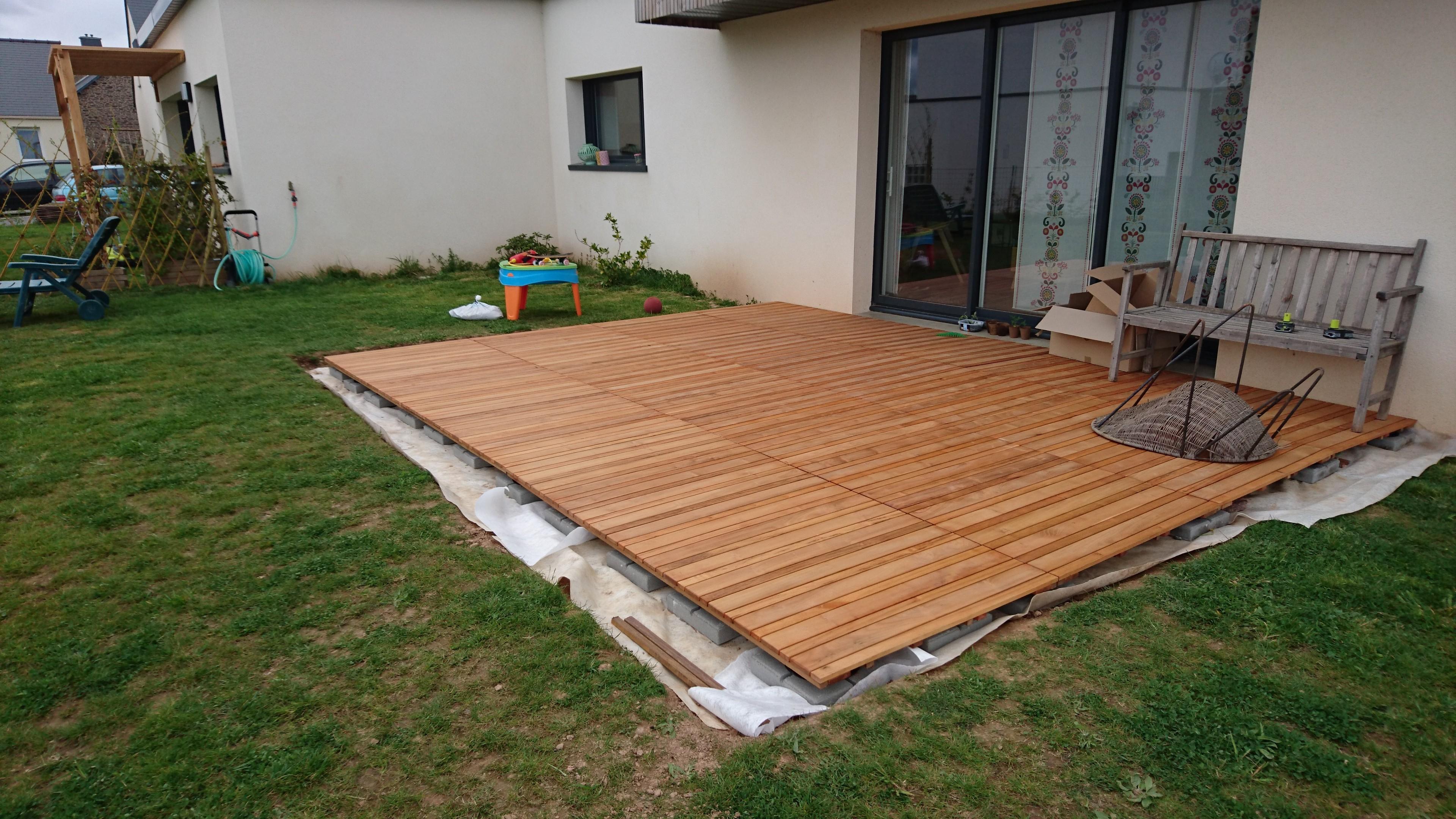 Construire Sa Terrasse Sur De La Terre Meuble - Construction ... à Caillebotis Bois Exterieur