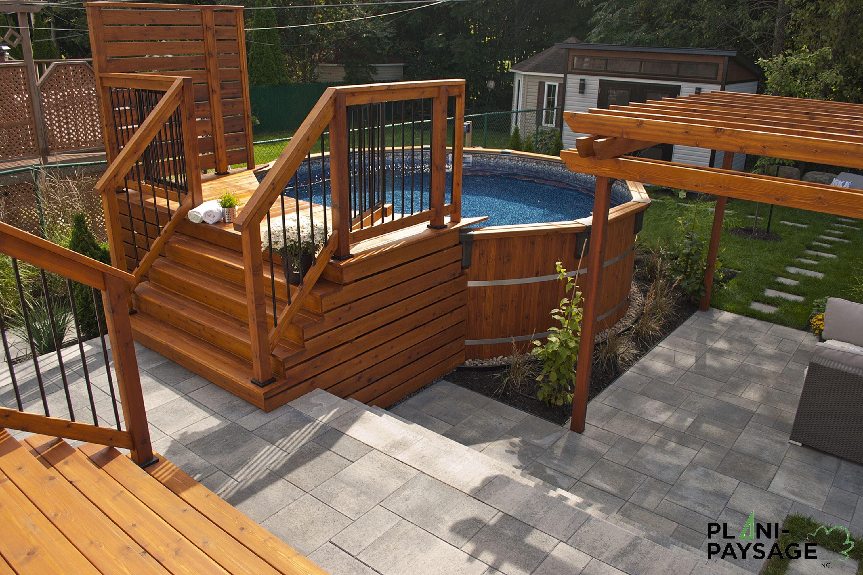 Cour Urbaine Avec Piscine Hors-Terre | Backyard Pool Designs ... avec Terrasse Avec Piscine