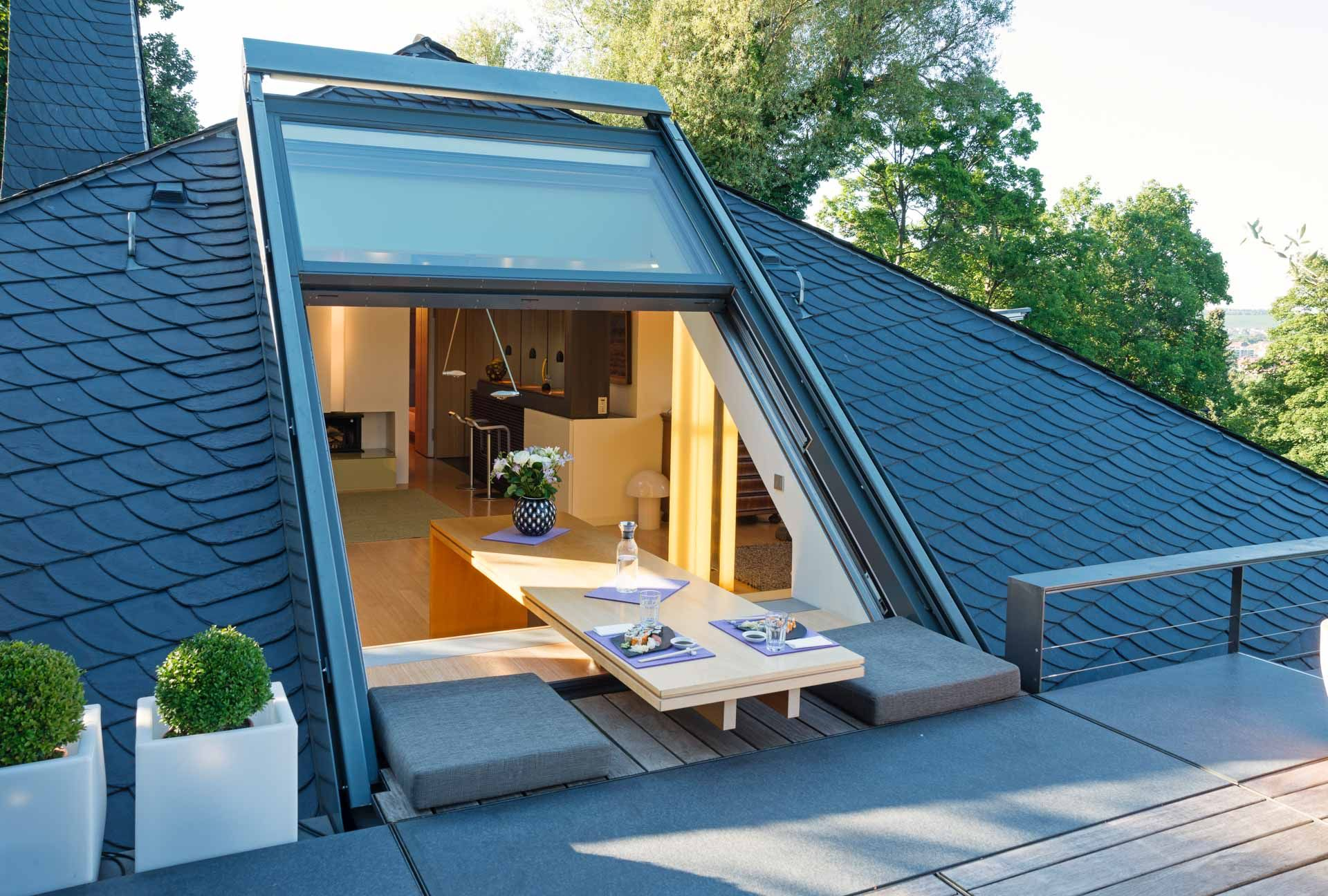 Dachschiebefenster Openair | Design Für Zuhause, Dachfenster ... encequiconcerne Acces Toit Terrasse