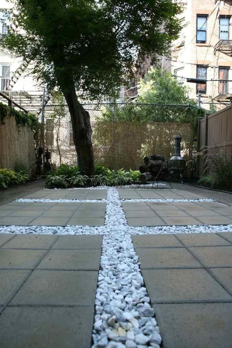 Dalles Terrasse En Béton Pour Sublimer Le Jardin Moderne ! pour Terrasse En Cailloux