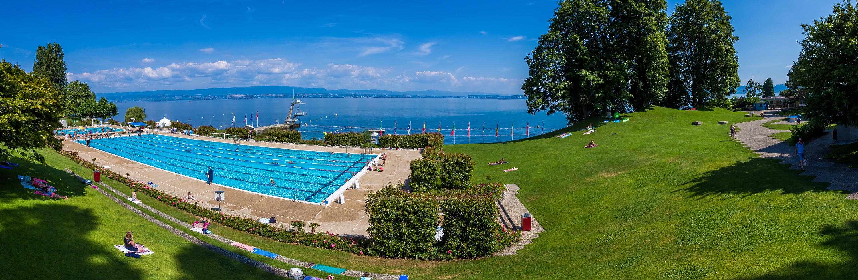 Evian Swimming Pool dedans Piscine Evian