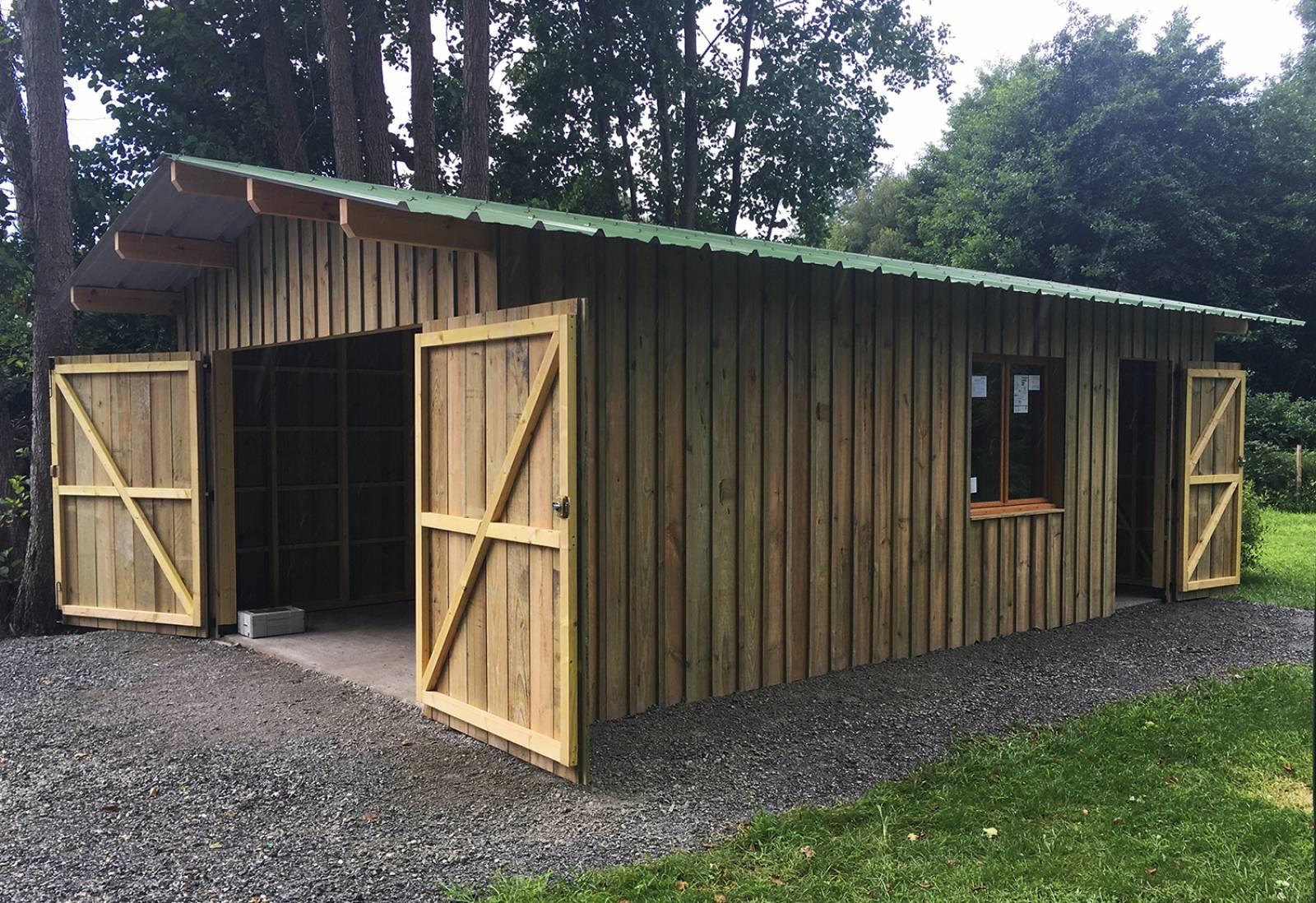 Fabrication D'un Garage En Bois De 30M2 À Biscarrosse ... avec Abri De Jardin 30M2