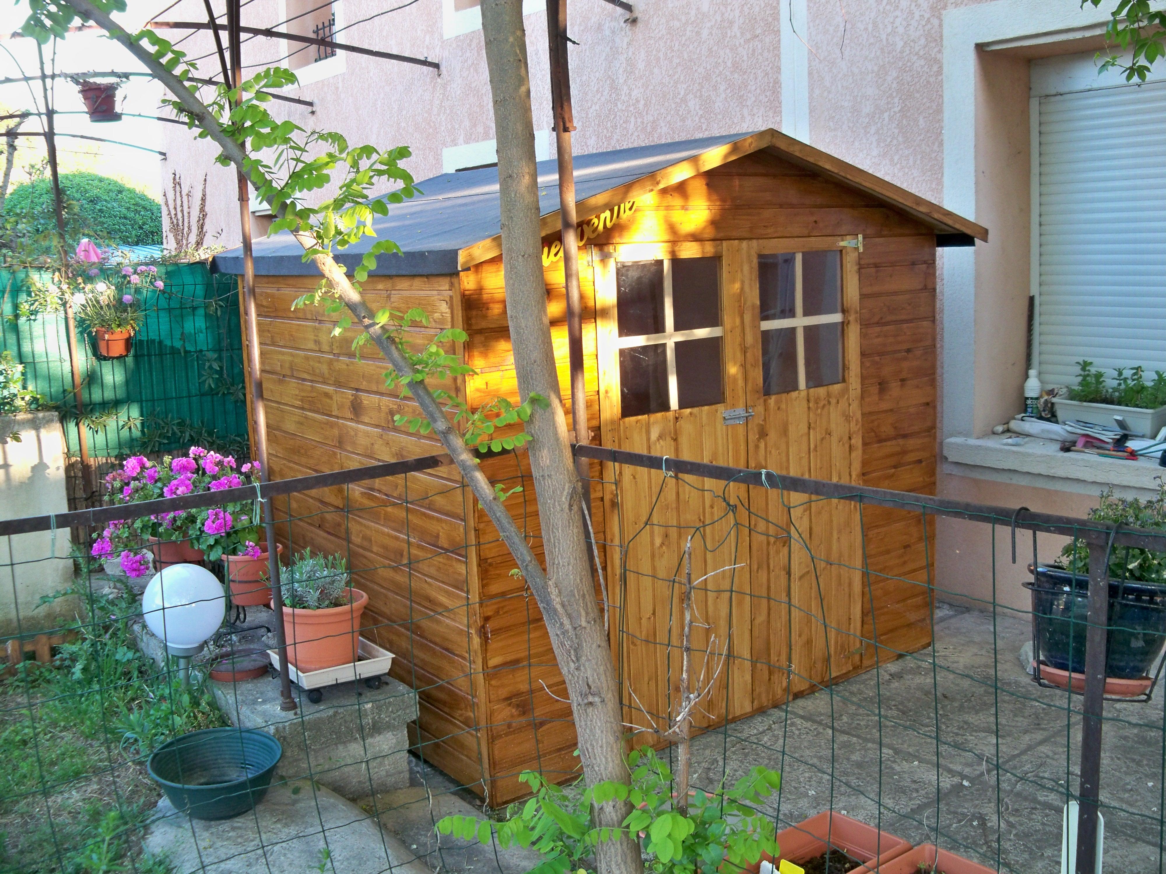 File:abri De Jardin En Bois.jpg - Wikimedia Commons serapportantà Abri Jardin Design