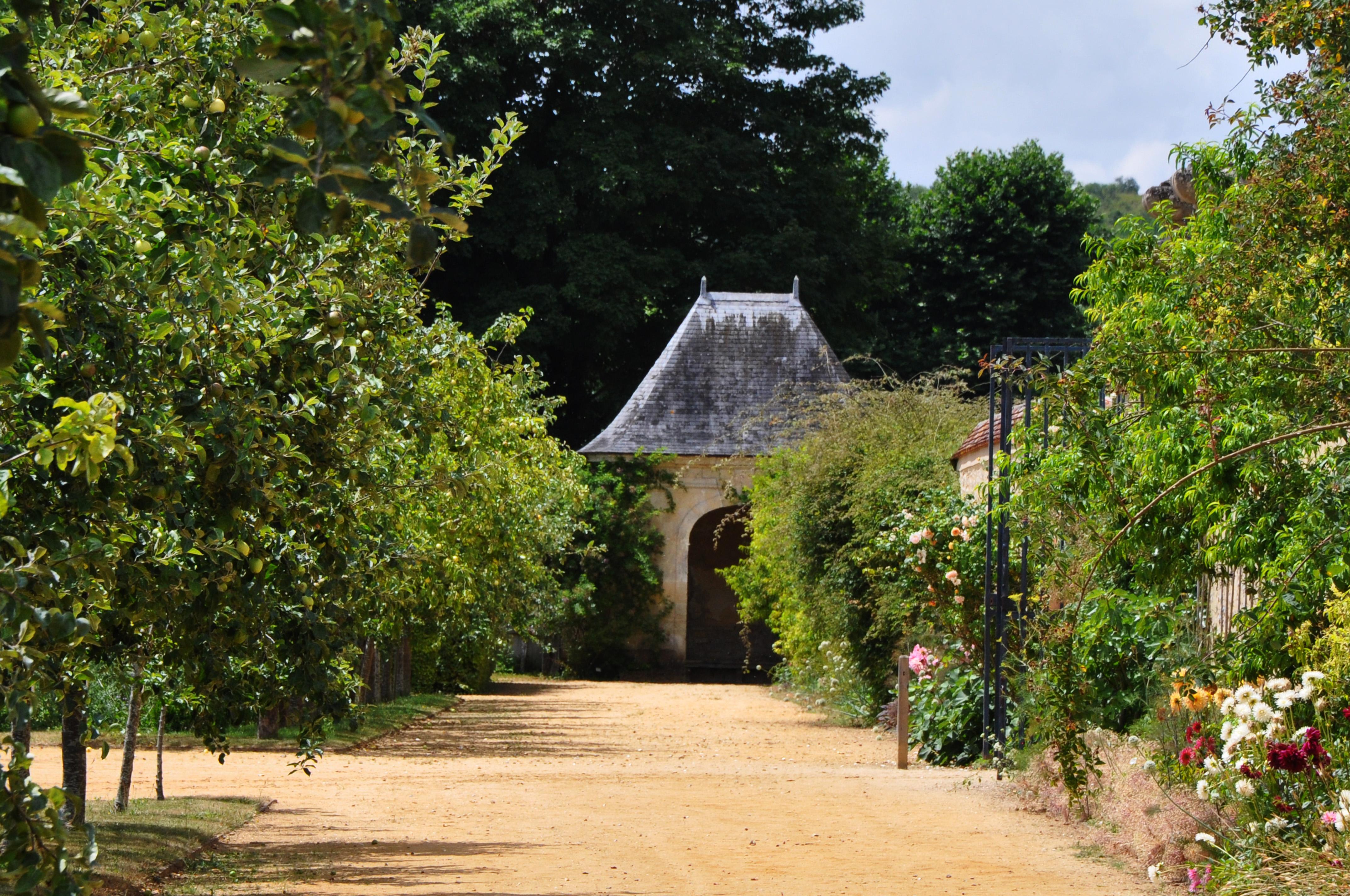 File:abri De Jardin, La Roche-Guyon (France).jpg - Wikimedia ... concernant Abri De Jardin Original
