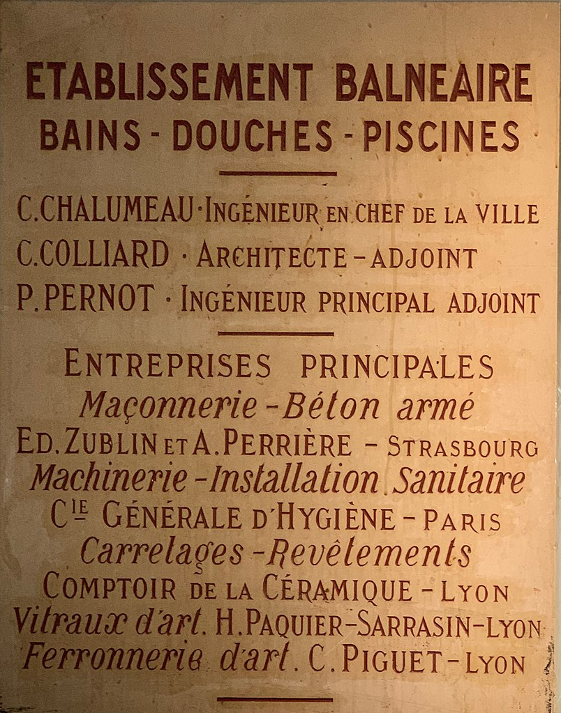 File:plaque Des Architectes Et Des Artisans De La Piscine ... pour Comptoir De La Piscine
