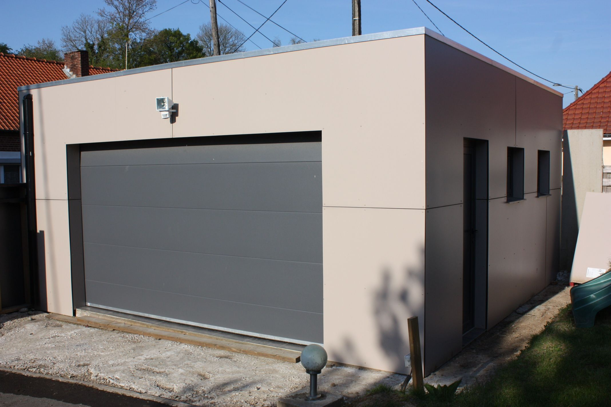 Garage Trespa | Large Pergola | Garage Pergola, Garage ... à Acrotere Toit Plat