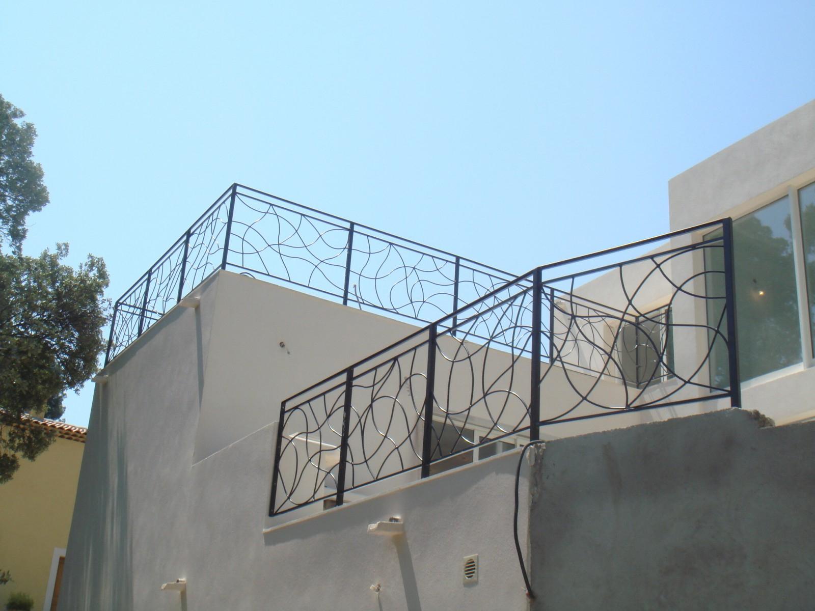 Garde-Corps En Fers Forgés Pour Terrasses Extérieures À ... intérieur Garde Corps Terrasse