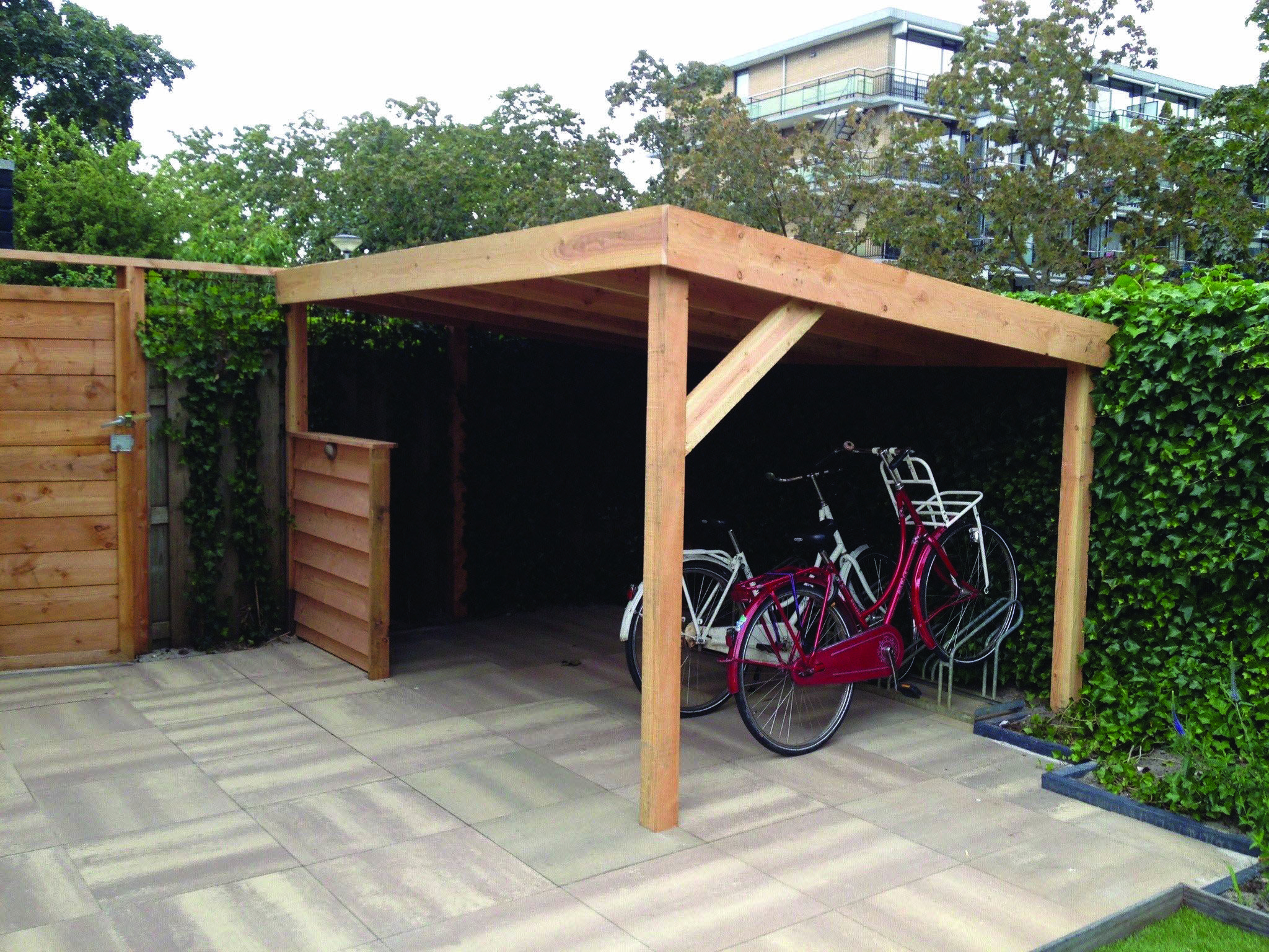 Get These Top Trending How To Build Outdoor Bike Storage To ... dedans Abri Moto Jardin