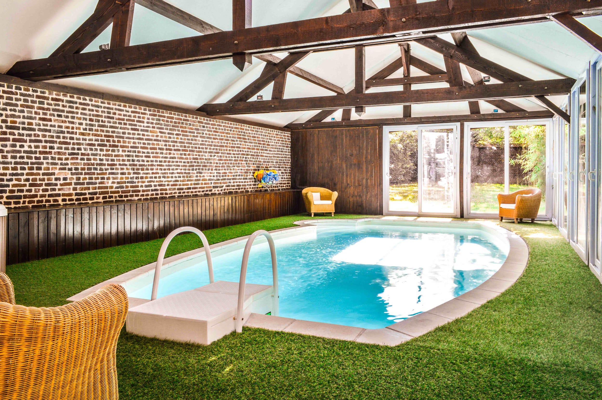 Hotel-Avec-Piscine-Meru-Les-Granges-Haillancourt-1-2 • Les ... pour Piscine Meru