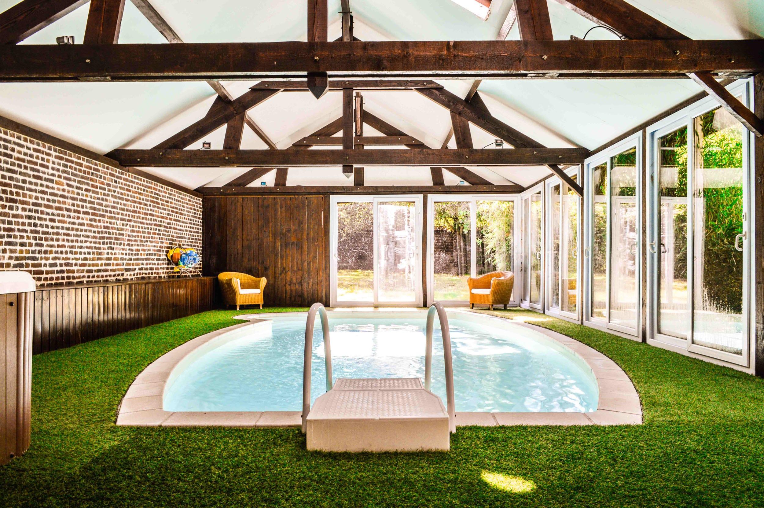 Hotel-Avec-Piscine-Meru-Les-Granges-Haillancourt-5-2 • Les ... intérieur Piscine Meru