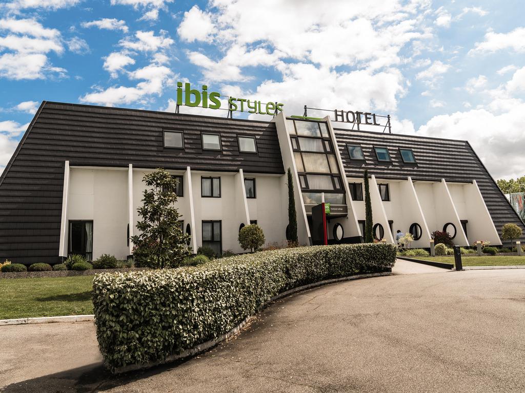 Hotel In Labege - Ibis Styles Toulouse Labege - All serapportantà Piscine Labege