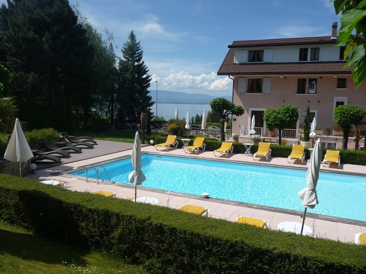 Hotel L'oasis, Évian-Les-Bains, France - Booking à Piscine Evian