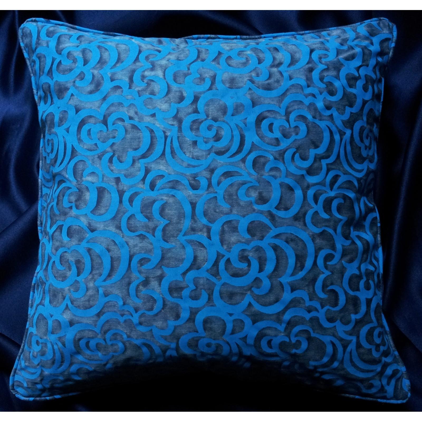 Housse De Coussin Fait Main En Tissu Fortuny Nuvole Bleu Et Turquoise encequiconcerne Coussin Bleu Turquoise