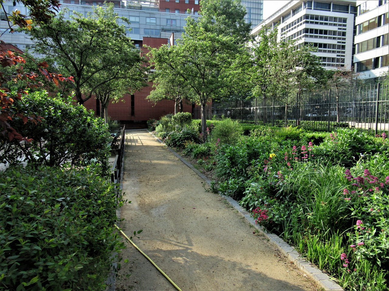Jardin James-Joyce - Paris - Jardin James-Joyce Yorumları ... avec Allee De Jardin