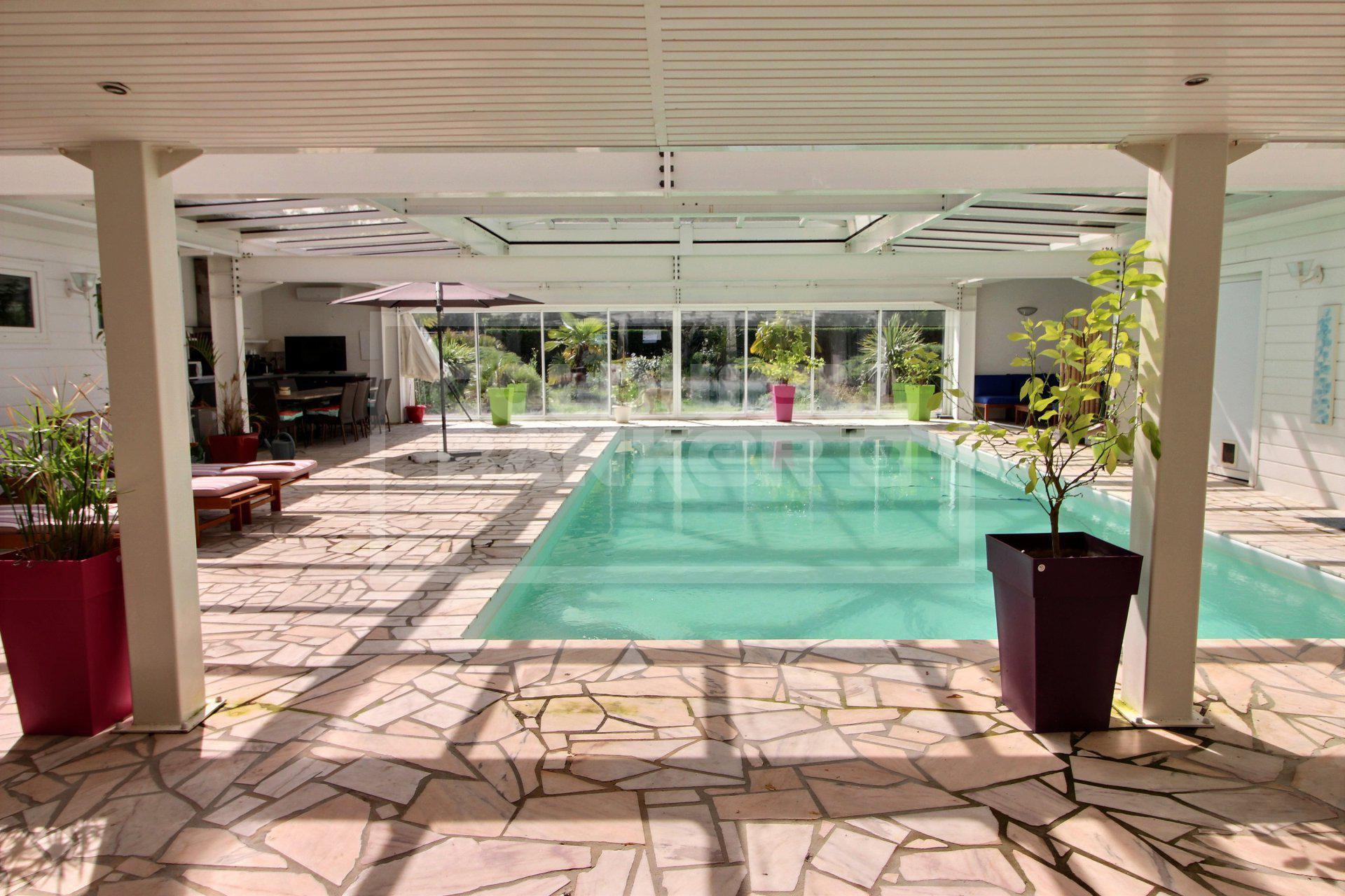 Maison D'architecte Avec Piscine Intérieure Cestas Réf. Bc1-515 avec Piscine Meru