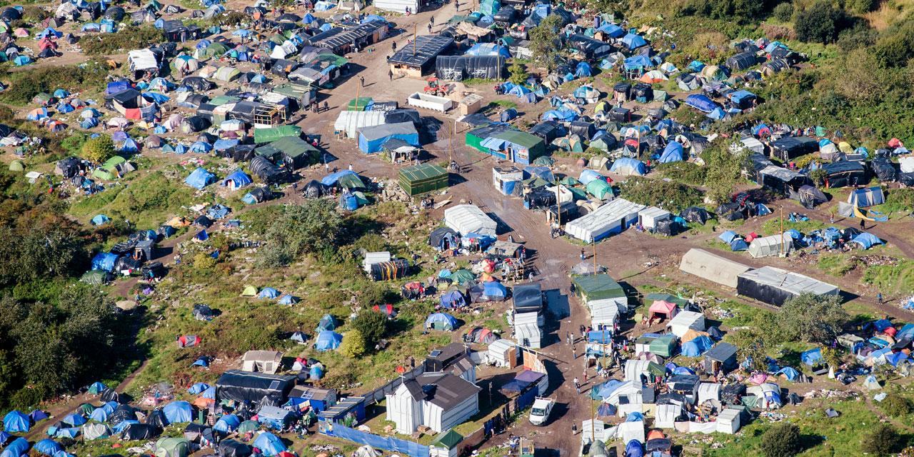 Migrants Privés De Piscine À Calais : Le Défenseur Des ... serapportantà Piscine Iceo Calais