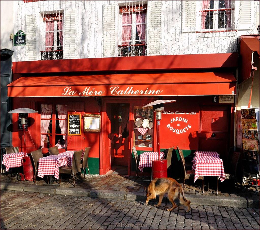 Paris Montmartre : Place Du Tertre : La Mère Catherine ( 1 ... intérieur La Maison De Catherine