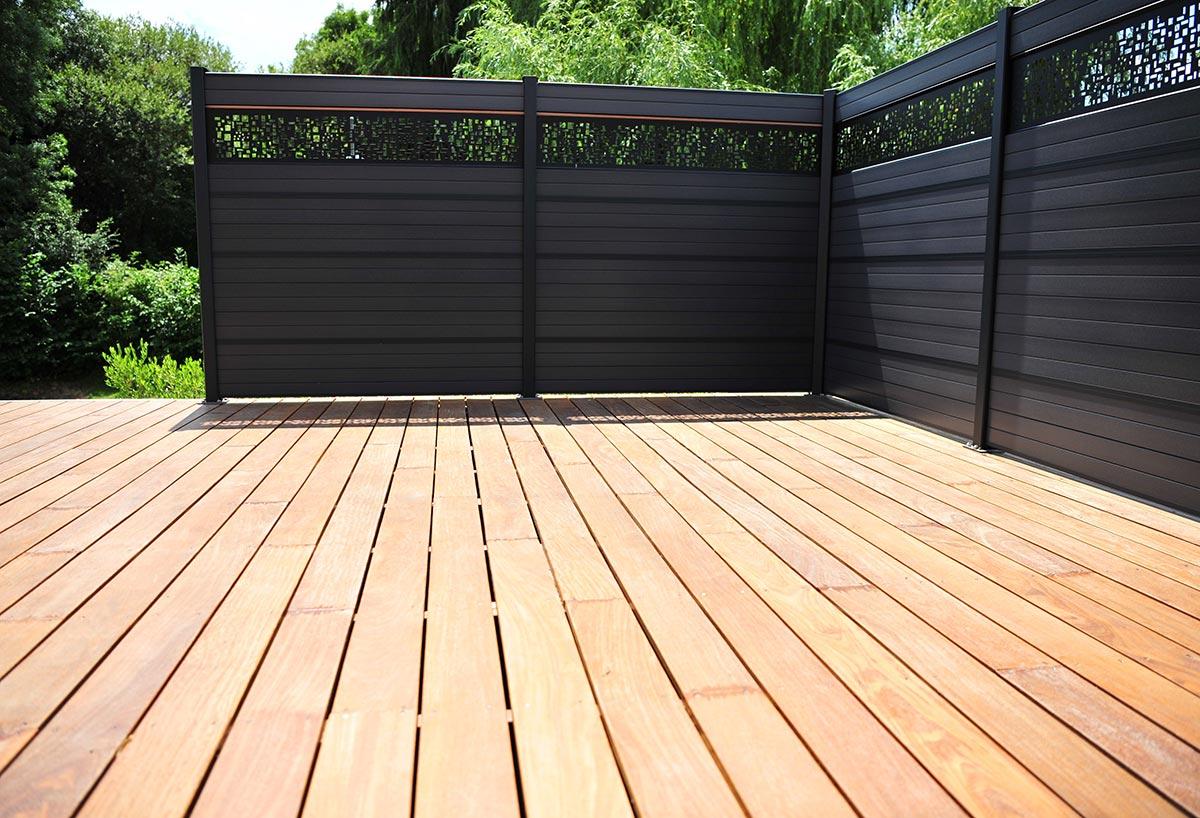Pose Revêtement Sol Extérieur Jardin Près De Cholet pour Sol Bois Exterieur