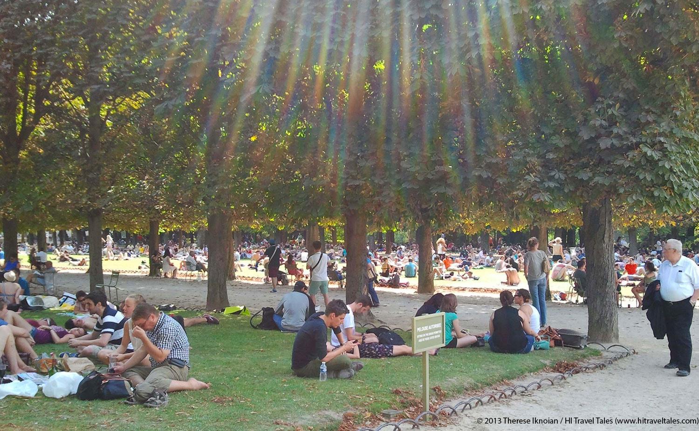 Postcard Paris: Jardin Du Luxembourg Escape avec Allae De Jardin