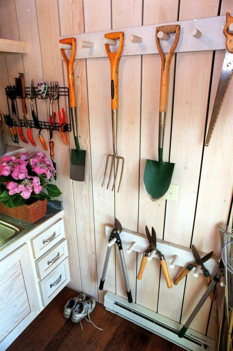 Range Outils De Jardin Et Organisation Du Garage dedans Range Outils De Jardin