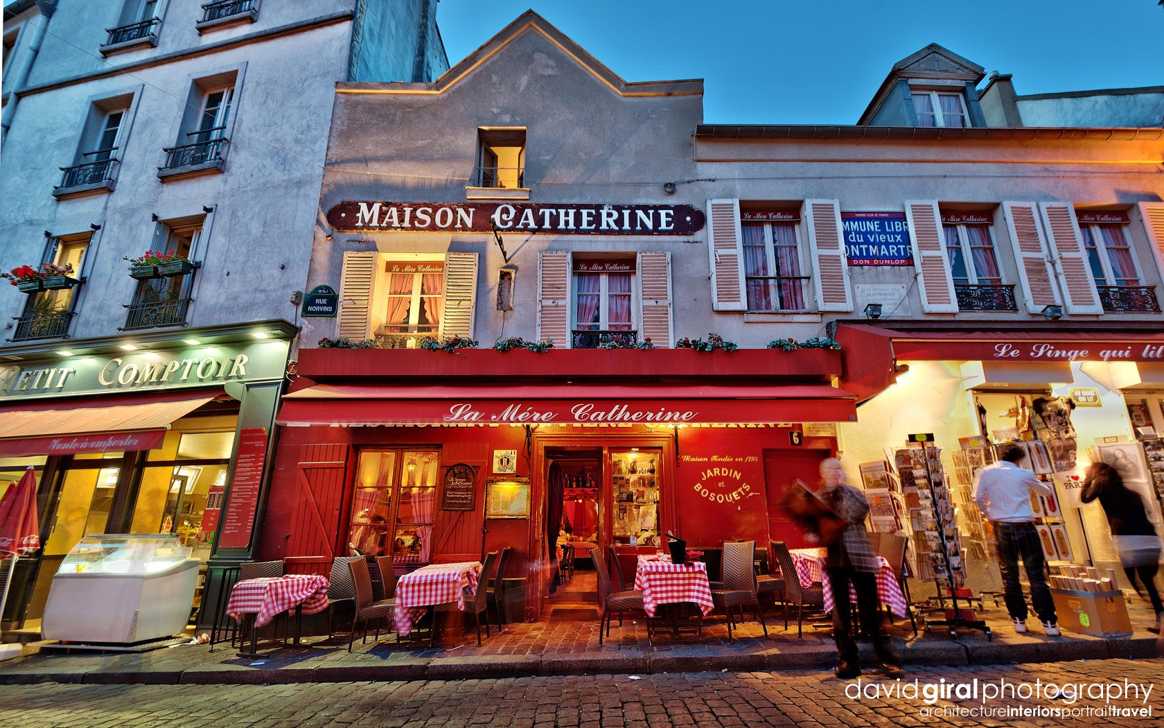 Restaurant-La-Mere-Catherine (With Images)   Montmartre ... dedans La Maison De Catherine