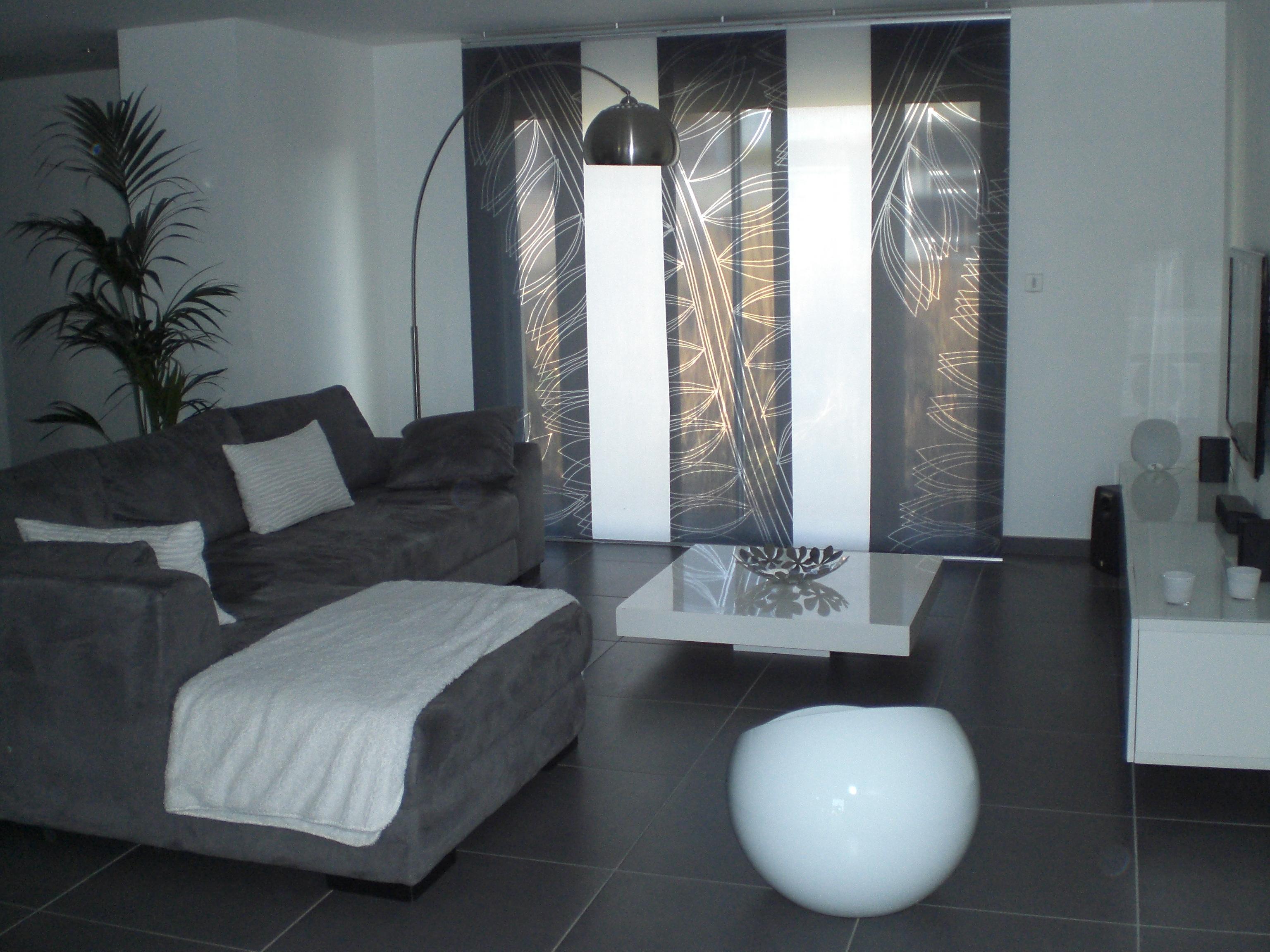 Salon Gris Et Blanc (Photo 3/9) - 3511275 encequiconcerne Salon Gris Et Blanc