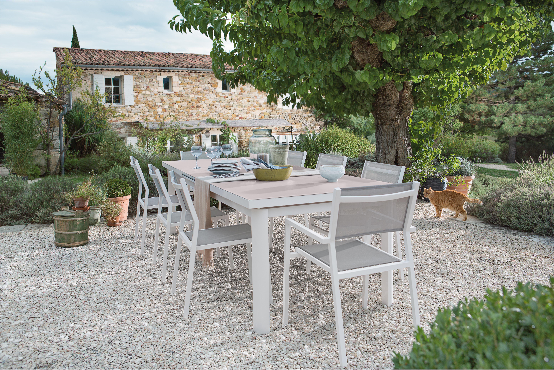 Table De Jardin En Alu Ou En Acier - Femme Actuelle à Transat Jardin Carrefour