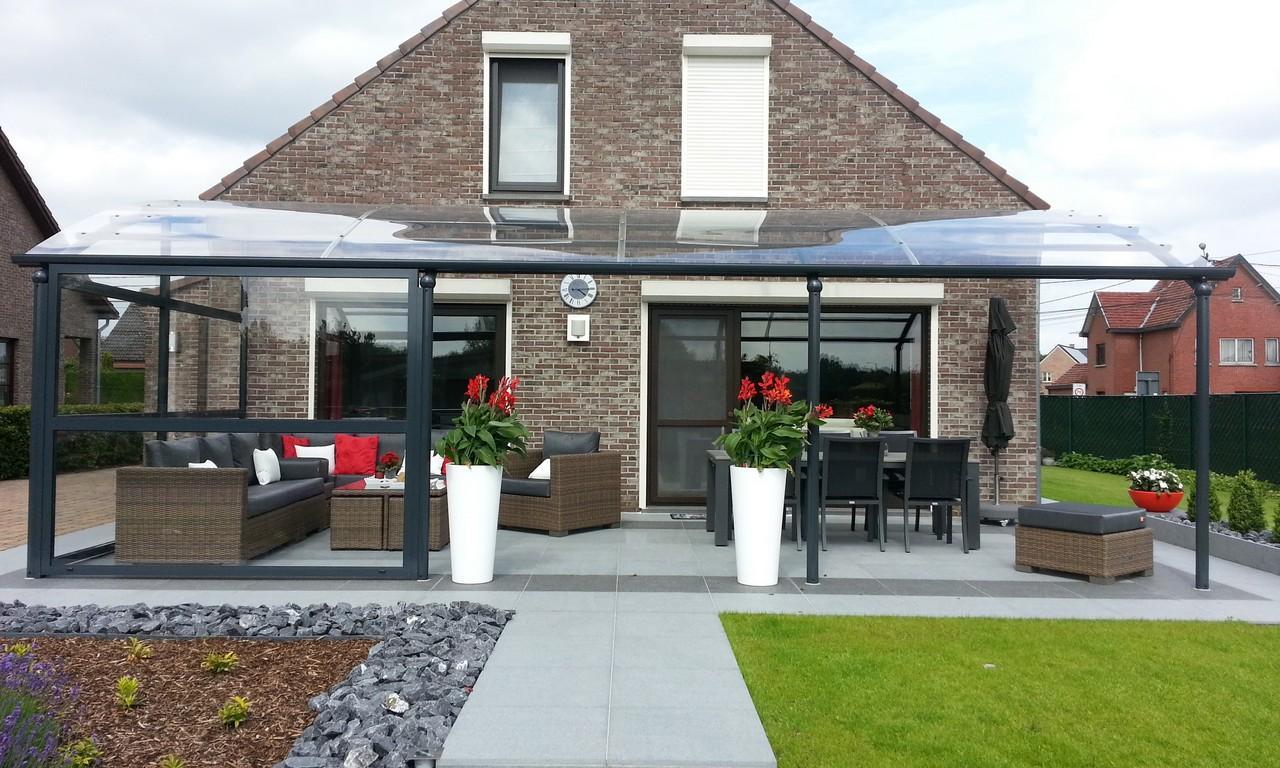 Un Auvent De Terrasse Pour Davantage De Confort | Bozarc destiné Abri Pour Terrasse