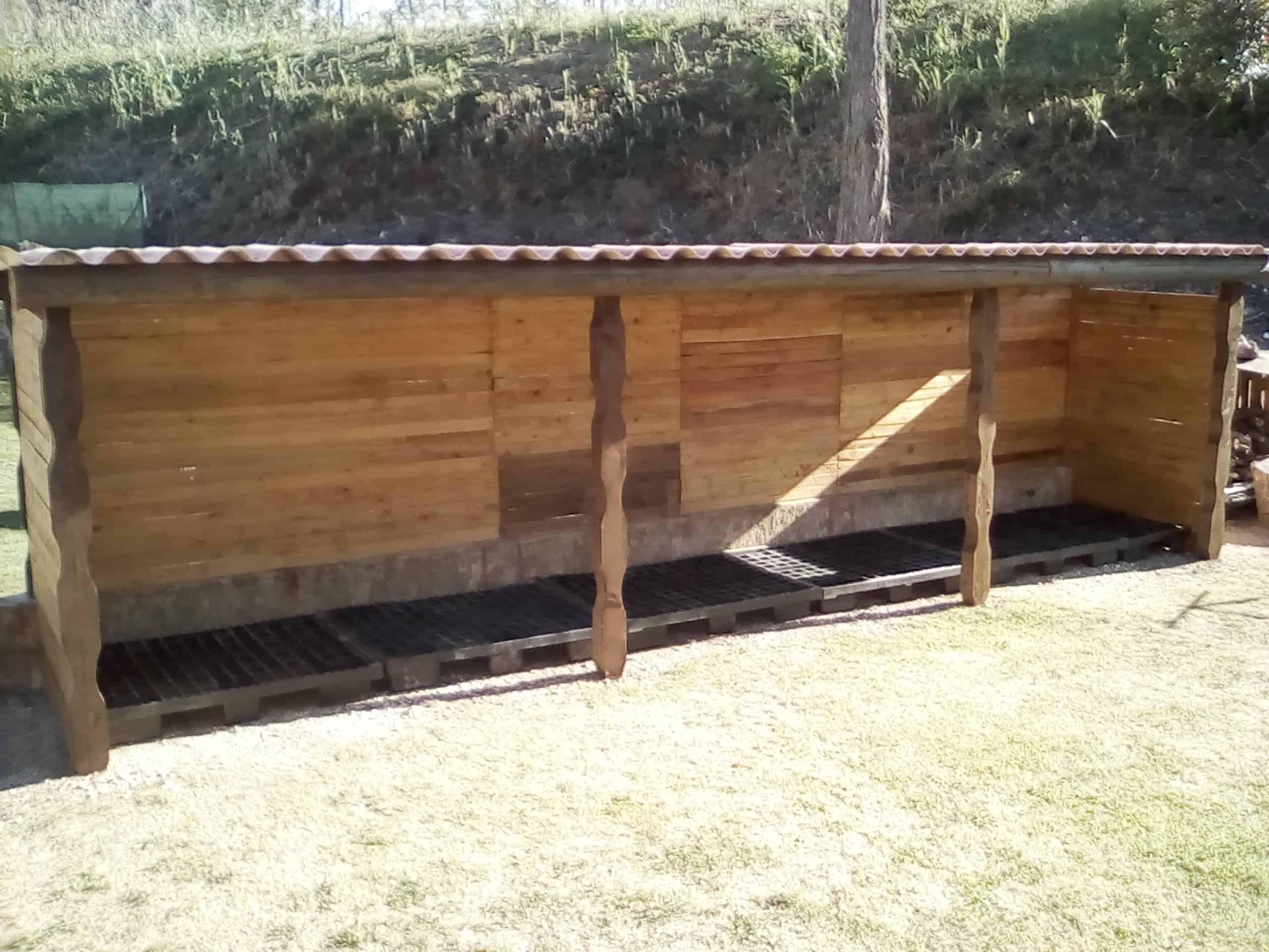 Upcycled Pallet Storage Shelter / Abri A Bois Palette Et ... dedans Abri A Bois