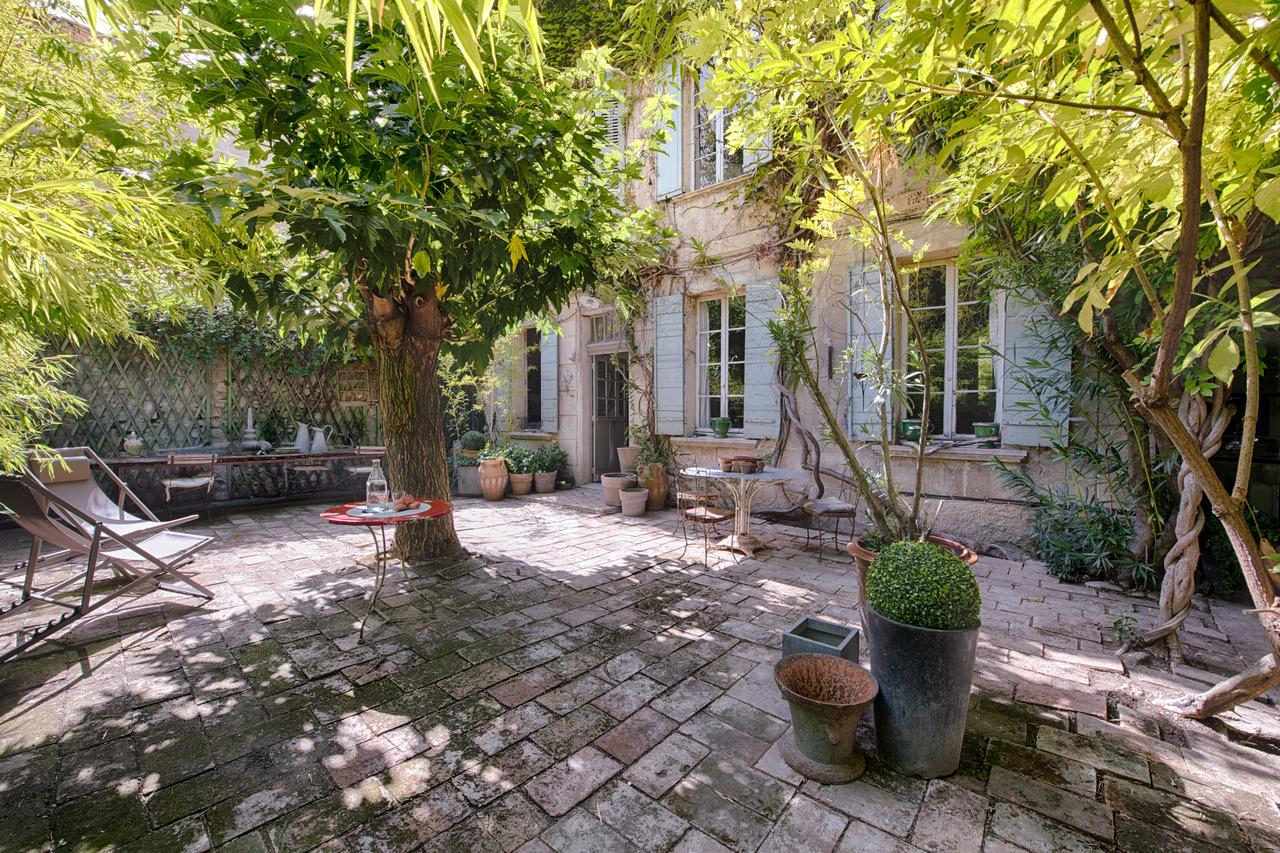 Vacation Home Maison Xixe Et Jardin En Intramuros, Avignon ... dedans Verriere Jardin