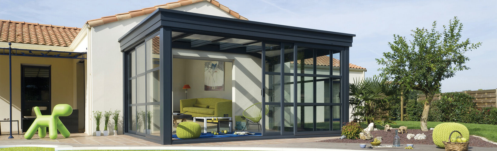 Véranda Contemporaine Homéa : Véranda Moderne, Design En Alu ... pour Pergola Toit Plat