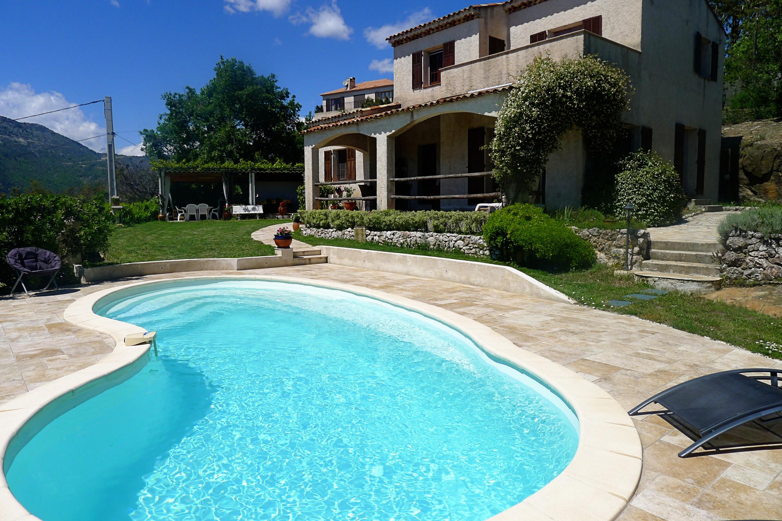 Villa Roche Grise, Belle Villa, Calme, Jardin Et Piscine By Riviera Holiday  Homes destiné Piscine De Berre