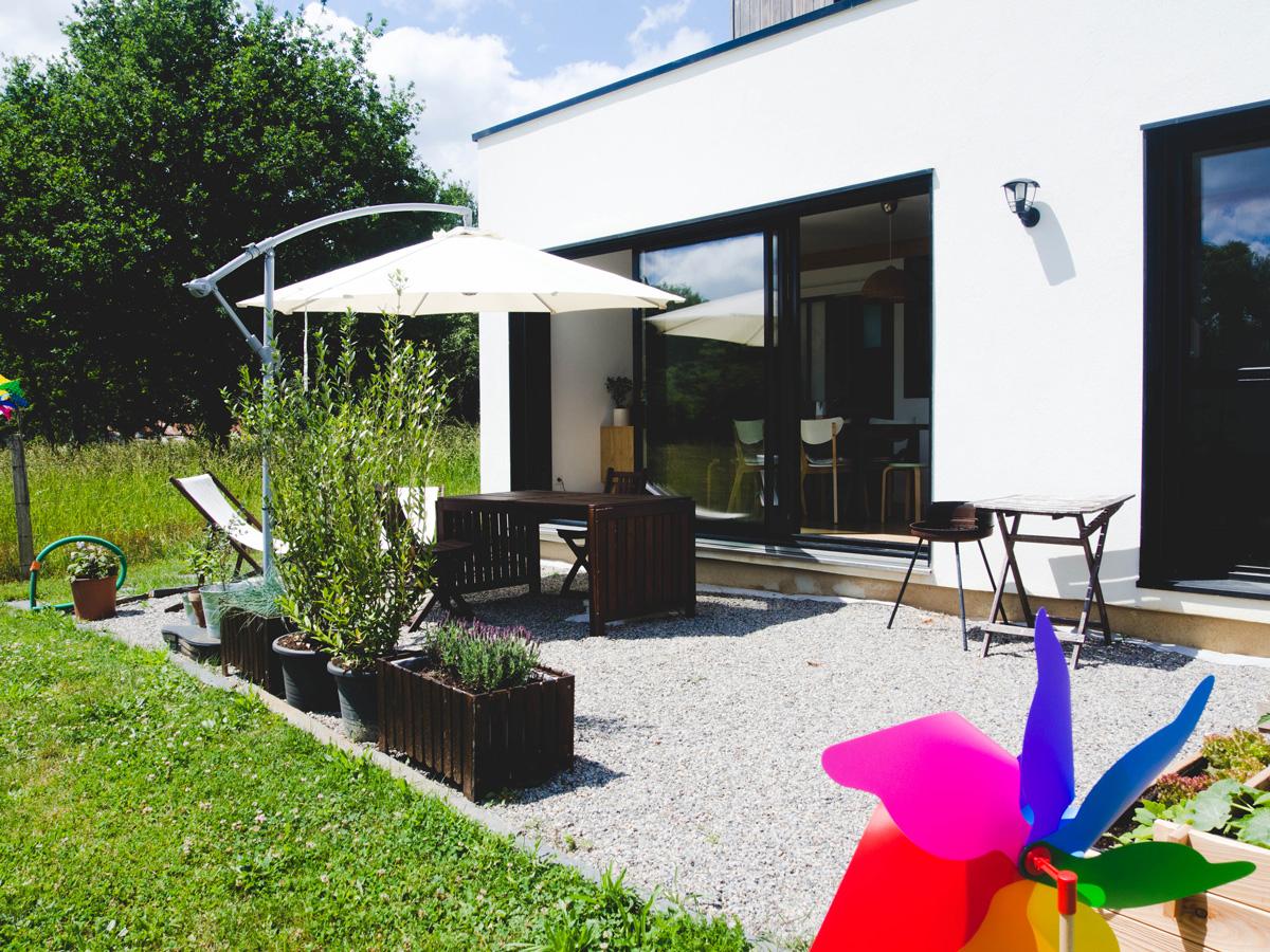 Vite Une Terrasse En Gravier Pour Profiter Des Beaux Jours avec Terrasse En Cailloux